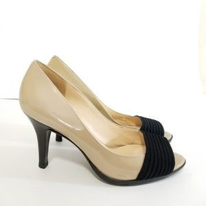 Cole haan Nike air size 7.5 patent leather heels